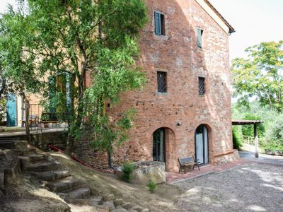 Photo for Vacation home Casa nel borgo  in Pontedera, Lucca, Pisa and surroundings - 5 persons, 2 bedrooms