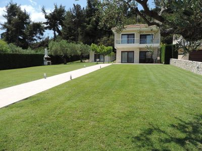 Photo for Villa ERGOPOLI, spacious garden, next to a beach with crystal water!