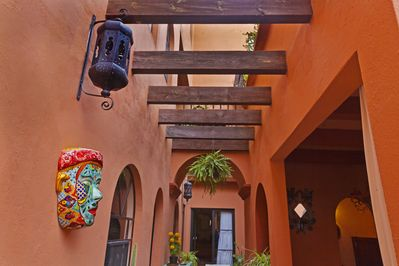 Arched passageway into Moroccan Suite