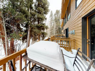 Photo for Top-floor riverside condo w/loft, balcony & onsite dining - close to town & lake