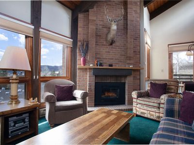 Photo for Top Floor Views, Vaulted Ceilings, Ample Space - Near Slopes, Discount Lift Tix
