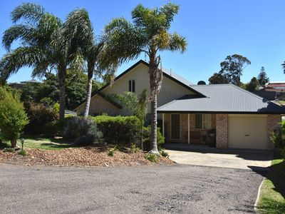 Photo for 6B Dromadery Court - Pet & boat friendly