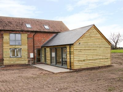 Photo for THE COW BARN, pet friendly in Waters Upton, Shropshire, Ref 980979