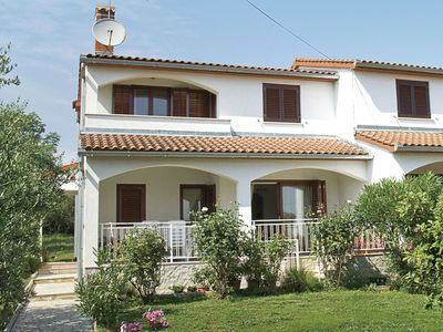 Photo for Spacious and comfortable house with beautiful garden near Tar and beach 900 m