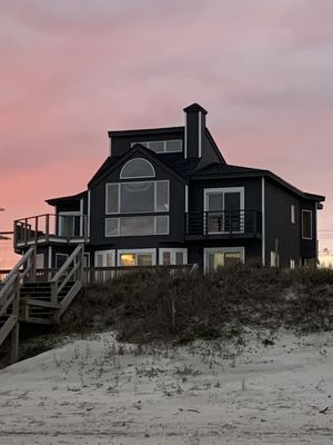 CONTEMPORARY OCEANFRONT  Living at It's Finest ! ~ Topsail Beach, NC