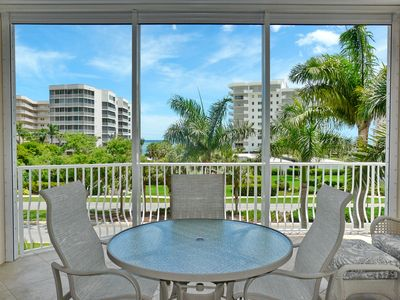 Photo for Peaceful condo w/ heated pool just a short walk from South Beach