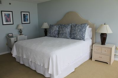 King master bedroom (pillow top mattress)