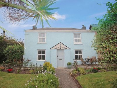 Photo for INCLINE COTTAGE, pet friendly, with a garden in Portreath, Ref 959224