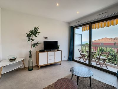 Photo for Seaside flat, aircon, parking, newly renovated