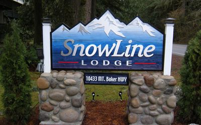 Photo for Snowline Lodge Condo #36- close to hiking and skiing at Mt. Baker! Now has WiFi!