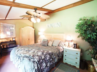 RETREAT TO HORSE COUNTRY & STAY IN THE ADORABLE PRIVATE TACK HOUSE