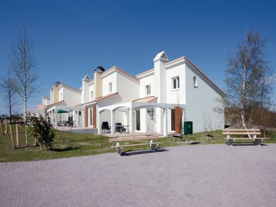 Photo for Bungalow in the holiday park Landal Dunimar - Near the beach of Noordwijk