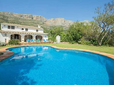 Photo for Spanish farmhouse w/pool, BBQ + terrace, close to harbour and beaches