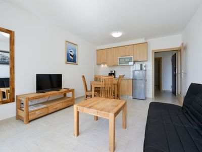 Photo for One bedroom Apartment, sleeps 2 in Ljubač with Pool, Air Con and WiFi
