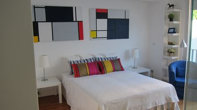 Photo for Spacious Mondrian Palácio apartment in Santos with WiFi, private parking & lift.