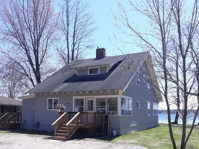 Lake Le Homme Dieu Bay, Cottage on Chain of Lakes,