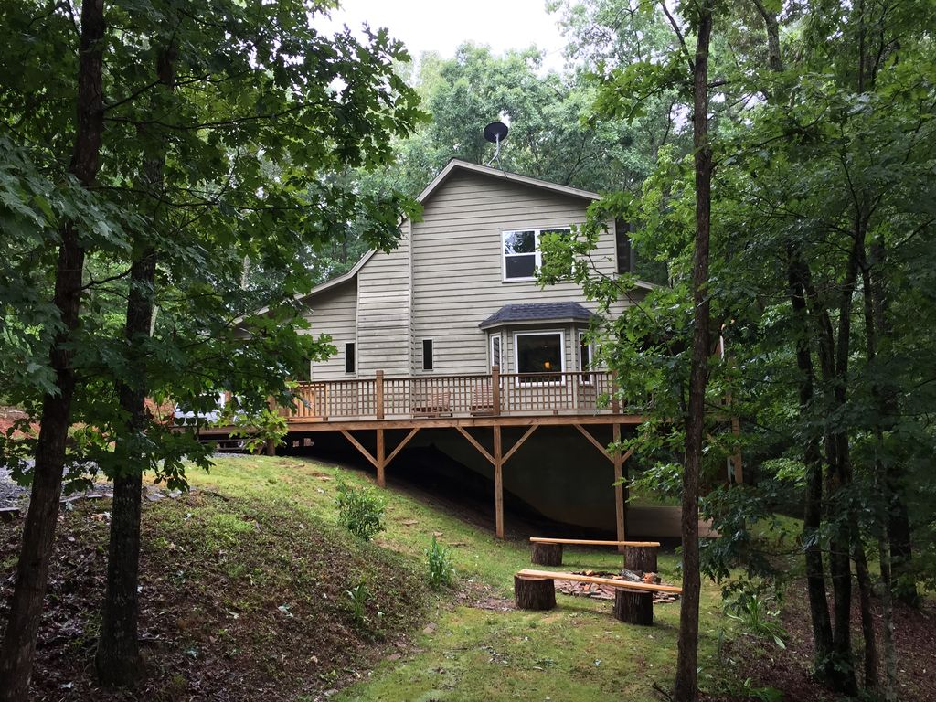 Quiet cabin in the woods, Murphy,Smoky Mountains, North ...
