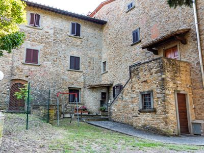 Photo for Cottage in Arezzo with Pool, Terrace, Garden, Deckchairs