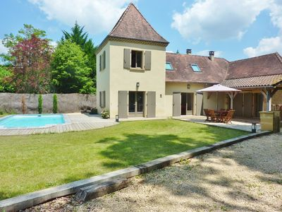Photo for Heated Pool, 4 Bed (3 bathrooms), private location, close to Sarlat + EV Charger