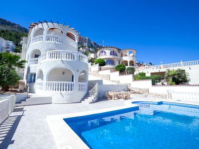 Photo for 5 bedroom Villa, sleeps 10 with Pool