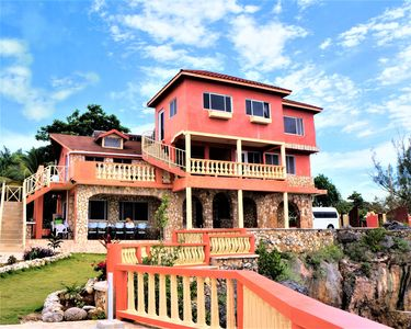 Spectacular Oceanfront Property With Private Cove Pool Waiting For You West End