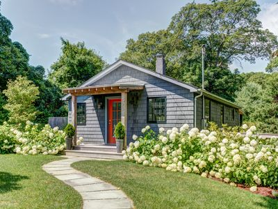 Photo for Adorable Cottage Home In Beautiful East Hampton