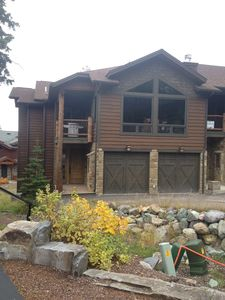 Photo for Gorgeous 4 bedroom, 5 bath, ski-in,ski-out town home on 'Home Again' ski run