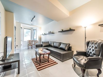 Photo for Modern Urban King West 2 Bedroom With Parking