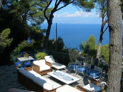 Photo for Capri: a charming house in the woods overlooking the gulf!