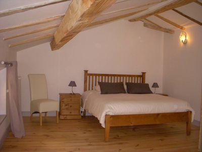 Double bed room with view on the garden