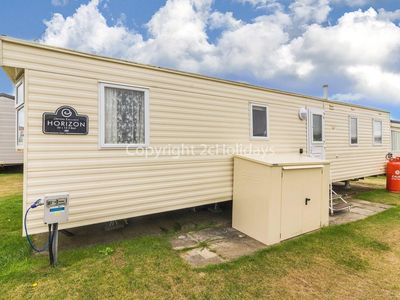 Photo for 8 berth caravan for hire at California cliffs in Norfolk ref 50004aE