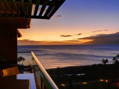 Watch the sunset from the lanai!