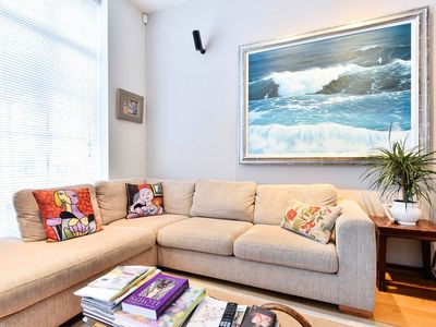 Photo for Splendid 3 bed with roof terrace in leafy Pimlico