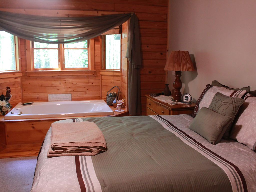 Property Image#13 Beautifully Furnished Cabin In Pine Mountain Near  Callaway Gardens And F.D.R.