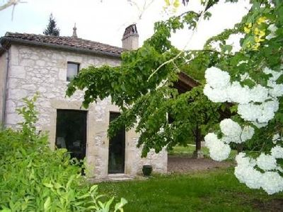 Photo for Charming stone house XIXth beautiful pool services, garden, courtyard.