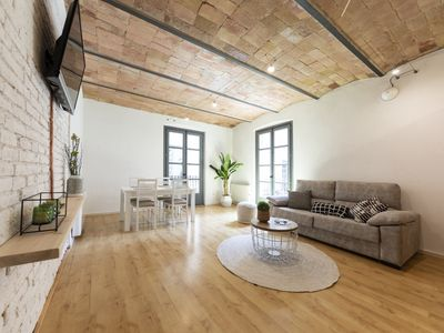 Photo for Fully renovated 2 bedroom Apt. center Old Town (EB)