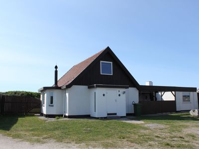 Photo for Newly renovated cottage directly on the North Sea