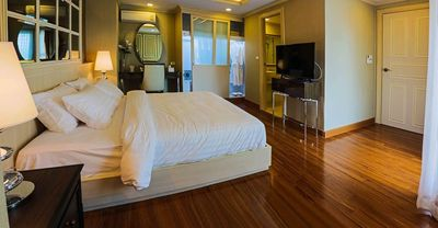 Photo for 1 Bedroom Serviced Apartment, Great amen