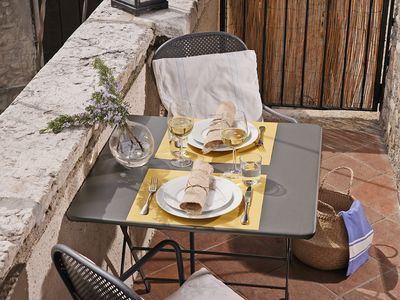 Photo for Wohlfuehl apartment + breakfast, lake view, pool, garden and balcony.