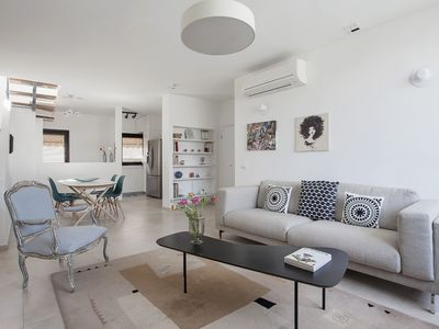 Photo for Bright Penthouse on Frishman & PARKING!