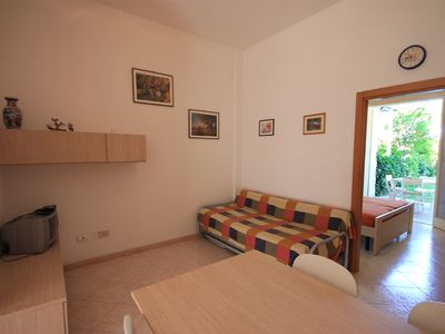 Photo for Cozy apartment with private garden and private parking