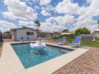 Photo for 4 Bed, 2 Bath home with Private Pool!