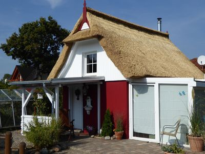 Photo for Comfortable small two-room thatched roof holiday home