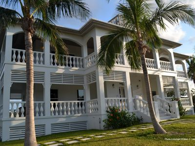 Prefect For Couple's, Tropical Setting, Prime Location & At French Leave Beach!