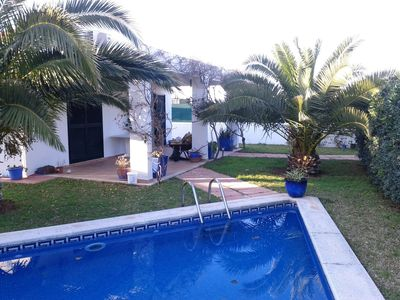 Photo for Detached villa with own garden and private pool, near the sea.