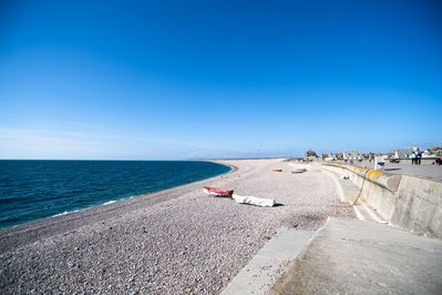 Chesil Beach - 10 yards away