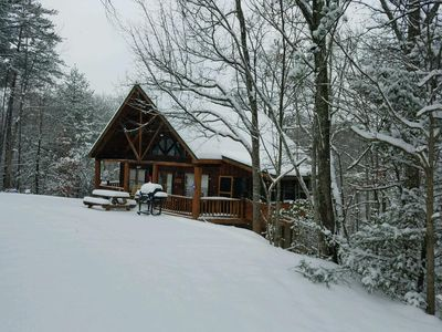 Photo for HOT TUB***GREAT RATES *** FREE WIFI, Sleeps 4-6**** 10 MIN TO MAIN PARKWAY