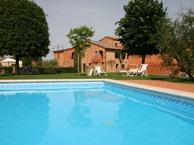 Photo for Beautiful resort surrounded by vineyards, three-room apartment