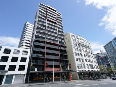Photo for 2 Bedroom Apt in the heart of Auckland- w/Aircon