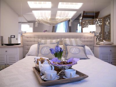 Photo for Navona Romantic, extremely romantic and welcoming, furnished with taste and elegance, patio